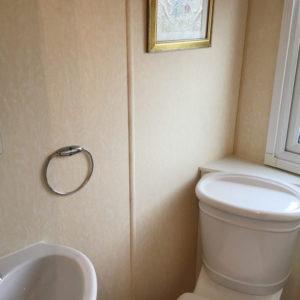 Aspen2004-shower-room