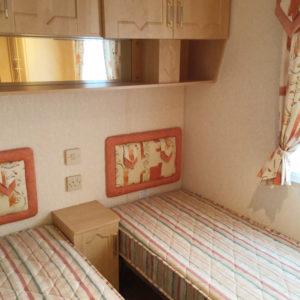 Aspen2004-twin-bedroom